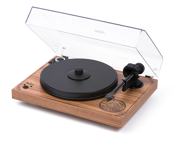 Pro-Ject 2Xperience SB Sgt. Pepper - Angled